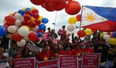 """محكمة التحكيم الدائمة تبت لصالح الفيليبين في…: قررت محكمة التحكيم الدائمة في لاهاي الثلاثاء ان الصين لا تملك """"حقوقا تاريخية"""" على القسم…"""