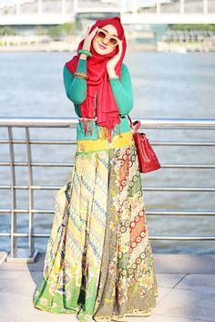 Rosebud | Dian Pelangi Islamic Fashion, Muslim Fashion, Modest Fashion, Hijab Fashion, Girl Fashion, Fashion Outfits, Fasion, Casual Hijab Outfit, Hijab Chic