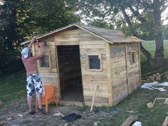 Cabin out of Pallets - Shed or House: (via Cabin out of Pallets - Shed or House | 101 Pallet Ideas)
