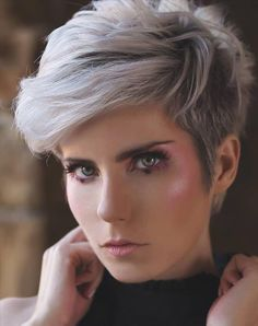 Girls with short hair are not only cute but also cool! - Latest Fashion Trends For Woman Latest Short Hairstyles, Short Haircut Styles, Braided Hairstyles For Black Women, Haircuts For Fine Hair, Short Hair Styles Easy, Short Hair Cuts For Women, Girl Short Hair, Pixie Hairstyles, Pixie Haircuts