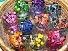 Baby food jars to organize crayons by color