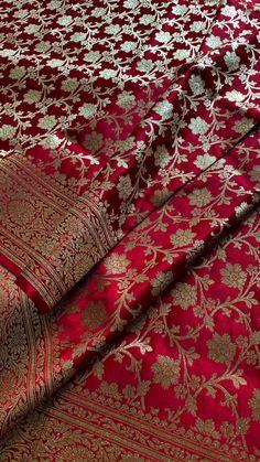 Indian Bridal Photos, Indian Bridal Sarees, Bridal Silk Saree, Indian Bridal Outfits, Indian Bridal Fashion, Indian Fashion Dresses, Silk Sarees With Price, Wedding Saree Collection, Fancy Dress Design