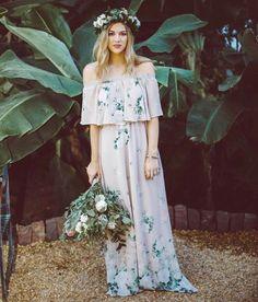 Toss your bouquet in the Show Me Your Mumu Hacienda Maxi Bohemian Bridesmaid, Wedding Bridesmaid Dresses, Boho Bride, Mumu Wedding, Wedding Hair, Dream Wedding, Wedding Guest Gowns, Gypsy Chic, Boho Fashion