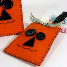 felt halloween pumpkin candy holder by SnowBerryNeedle Arts