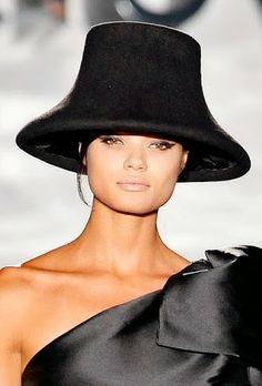 Roberto Verino 2014. Sandra Apfelbaum · sombreros bellos sombreros !!! 52dd3ea3473