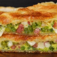 "This is ""Torta salata in padella con piselli e pancetta"" by Al.ta Cucina on Vimeo, the home for high quality videos and the people who love them. Tasty Videos, Food Videos, Turkish Recipes, Italian Recipes, Dinner Recipes Easy Quick, Easy Meals, Vegetarian Recipes, Cooking Recipes, Cooking Corn"