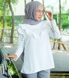 Hijab Fashion, Hijabs, Peach, Prunus, Hijab Styles, Hijab Outfit, Peaches