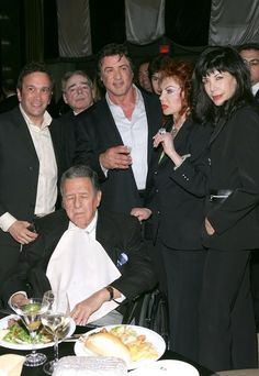 Sylvester Stallone parents | Sylvester Stallone Actor Sylvester Stallone poses with his family at ...