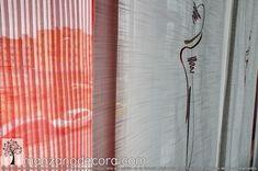 Detalle del tejido bordado en un panel japonés Curtains, Home Decor, Blinds, Decoration Home, Room Decor, Draping, Home Interior Design, Picture Window Treatments, Home Decoration