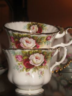 My Mom's Favorite Pattern Royal Albert teacups. Royal Albert, Vintage China, Vintage Tea, Café Chocolate, Teapots And Cups, Teacups, China Tea Cups, My Cup Of Tea, Tea Cup Saucer