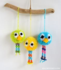 Beaded Birdy Pom Poms!! I have never seen pom pom animals this cute.