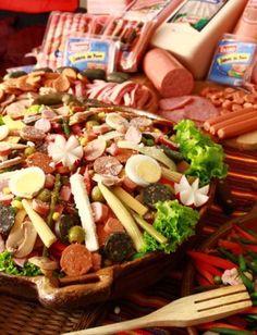 Esquisito Fiambre, tradicion de Guatemala para 1º de Noviembre celebración del  dia de muertos