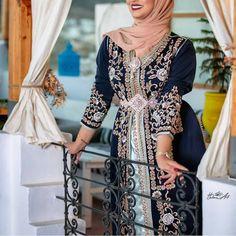 Moroccan Dress, Caftans, Dresses With Sleeves, Long Sleeve, Fashion, Fashion Styles, Kaftans, Moda, Sleeve Dresses