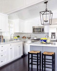 "1,162 Likes, 10 Comments - J Ξ F F⠀T R O T T Ξ R (@jefftrotterdesign) on Instagram: ""C O Λ S T Λ L K I T C H Ξ N | Beach house kitchen renovation and design by #JeffTrotterDesign…"""