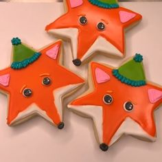 Try making these Foxy cookies with glittery✨ Tinker Dust®! Great for any birthday party! Star Sugar Cookies, Fox Cookies, Cute Cookies, Cupcake Cookies, Graduation Cookies, Birthday Cookies, Onesie Cookies, Cookie Videos, Birthday Party Centerpieces