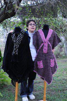 Hace unas semanas, esta artesana que comenzó ganándose la vida haciendo tejido industrial sorprendió con sus creaciones en telar y crochet en la muestra nacional