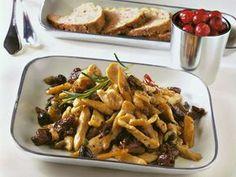 Straccetti di tacchino alle olive e pomodori secchi