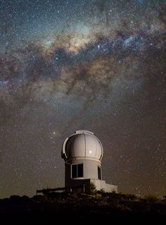 The SkyMapper telescope seen under the Milky Way at the Siding Spring Observatory near Coonabarabran, New South Wales, Australia. Australian astronomers said they have found a star billion years old, making it the most ancient star ever seen. Vincent Van Gogh, Cosmos, Astronomical Observatory, To Infinity And Beyond, Space Exploration, Photos, Pictures, Photographs, Stars