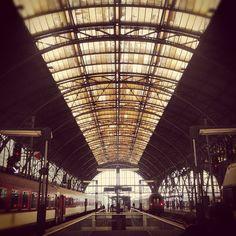 Praha hlavní nádraží | Prague Main Train Station Inter Rail, Plan My Trip, Prague Czech Republic, Train Stations, Architecture Old, Amsterdam, Roots, Maine, Buildings
