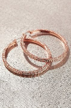Boston Proper Sparkle pave crystal hoop I rose gold jewelry! Cute Jewelry, Jewelry Box, Jewelery, Jewelry Accessories, High Jewelry, Modern Jewelry, Jewelry Stores, Rose Gold Jewelry, Diamond Jewelry
