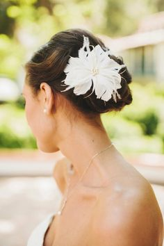 Rancho Las Lomas Wedding from Josh Elliott Photography Flor de penas: www. Romantic Bridal Hair, Bridal Hair Up, Bridal Updo, Bridal Headpieces, Wedding Updo, Fancy Hairstyles, Bride Hairstyles, Mod Wedding, Dream Wedding