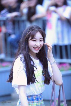I Love Girls, Cute Little Girls, Korean Model, Korean Singer, Yu Jin, Japanese Girl Group, Korean Artist, Kim Min, The Wiz