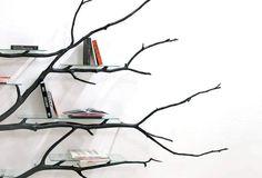 DIY Bücherregal aus Äste basteln - moderne Wohndeko mit naturhaften Elementen