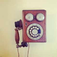 Old fashioned telephone that really works.