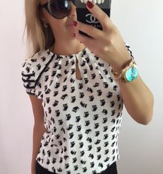 Super cute blouse with little hoot-owls all over. I like the style and the details. Love Fashion, Fashion Outfits, Fashion Design, African Blouses, Cute Blouses, Blouse Dress, Blouse Designs, Latest Fashion Trends, Casual Dresses