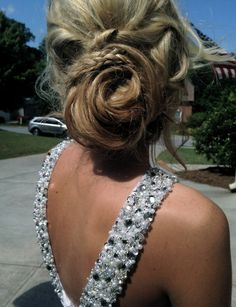 prom updo? how cute!