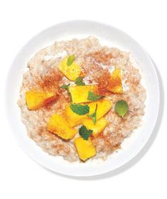 Oatmeal With Pineapple and Mint | RealSimple.com