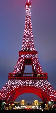 I have a sparkly red Eiffel Tower that looks a lot like this hanging on my CHRISTmas tree. I got while I was in Paris, Deco Paris, Paris 3, I Love Paris, Paris France, Christmas In Europe, Christmas Travel, Paris Eiffel Tower, Eiffel Towers, City Lights