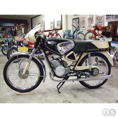 typhoon Small Motorcycles, Vintage Motorcycles, 50cc Moped, Mv Agusta, Mini Bike, Classic Bikes, Design Thinking, Scooters, Motorbikes