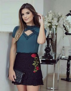 Blusa con encaje Cool Outfits, Casual Outfits, Summer Outfits, Fashion Outfits, Summer Dresses, Conservative Fashion, Event Dresses, Flare Skirt, Fashion Boutique