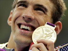 ¡Michael Phelps es una leyenda! gana su medalla 19