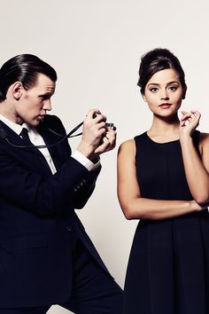 The Doctor (Matt Smith) and Clara Oswald (Jenna Coleman) Doctor Who Clara, Eleventh Doctor, Matt Smith Doctor Who, Doctor Who Funny, Jenna Coleman, Serie Doctor, Doctor Who Wedding, Clara Oswald, Don't Blink