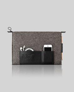 Etui cuir et laine feutré pour MacBook Pro 13' classic par OSTFOLD, $109,00