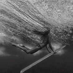 Surf girl surfer surfing wave barrel sea beach...