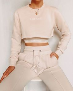 Teen Fashion Outfits, Mode Outfits, Look Fashion, Fashion Ideas, Sporty Fashion, Sporty Chic, Fashion Women, Winter Fashion, Cute Lazy Outfits