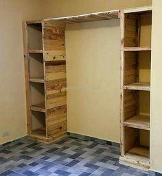 Pallet Furniture Wardrobe, Pallet Furniture Designs, Wooden Pallet Furniture, Wooden Pallets, Pallet Closet, Wooden Pallet Projects, Closet Remodel, Closet Designs, Pallet Cabinet