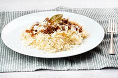 Παραδοσιακό ανατολίτικο ατζέμ πιλάφι | Συνταγή | Argiro.gr Food Categories, Greek Recipes, Risotto, Oatmeal, Turkey, Rice, Beef, Breakfast, Ethnic Recipes