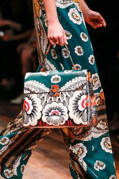 Valentino Spring 2015 Ready-to-Wear - Details - Gallery - Look 2 - Style.com