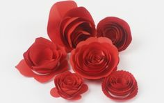 How to make simple paper roses with kids. This easy paper craft makes beautiful roses from just a circle of paper and is a great tween/teen activity and perfect for Mothers Day Paper Flowers Roses, Fabric Flowers, Book Flowers, Diy Flowers, Pretty Flowers, Valentine's Day Crafts For Kids, Mothers Day Crafts, Teen Crafts, Toddler Crafts