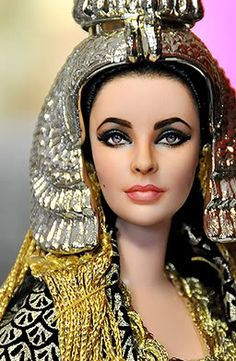 Repainted dolls by Noel Cruz ~ Elizabeth Taylor as Cleopatra Elizabeth Taylor Cleopatra, Pretty Dolls, Beautiful Dolls, Beautiful Gorgeous, Vintage Barbie, Barbie Celebrity, Realistic Dolls, Barbie Collection, Barbie World