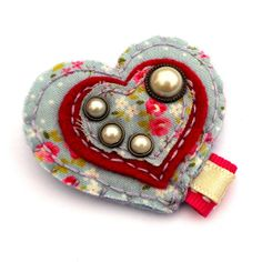 felt heart brooch with pearl buttons