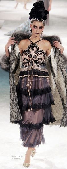 Christian Lacroix Fall 2005 Couture