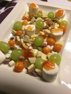 Makeaa mahantäydeltä Panna Cotta, Fruit, Ethnic Recipes, Food, Dulce De Leche, Essen, Meals, Yemek, Eten