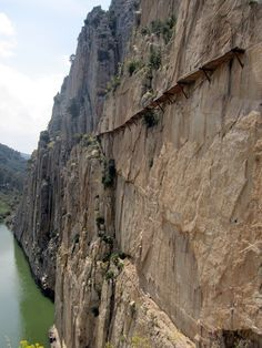 This article describes a great trip we took to the nearby town of El Chorro — in southern Spain — to visit the spectacular Caminito del Rey.