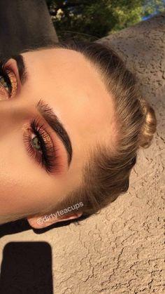 Rose gold makeup eyeshadow look for makeup inspiration Roségold-Make-up-Lidschatten suchen nach Make-up-Inspiration Prom Makeup Looks, Cute Makeup, Gorgeous Makeup, Amazing Makeup, Eye Makeup For Prom, Clubbing Makeup, Rose Gold Makeup Looks, Burgundy Makeup Look, Maroon Makeup