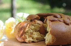 Folar da Pascoa: Portugal's Delicious Easter Bread -  by Andrea Smith, Catavino 06.04.2009 (Flickr photo by marjanhols) | Read more for Folar da Pascoa Recipe...
